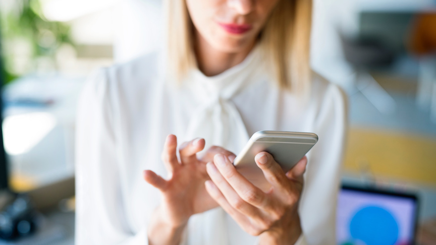 6 Tips to Use Texting Effectively in New Home Sales